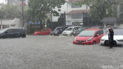 Banjir Mengagetkan Menggenangi Kantor Ganjar