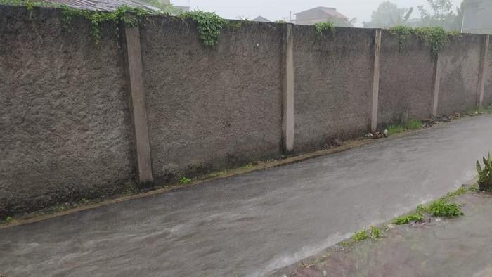 Genangan air di Pondok Kopi Ujung, Jakarta Timur (Julianto)