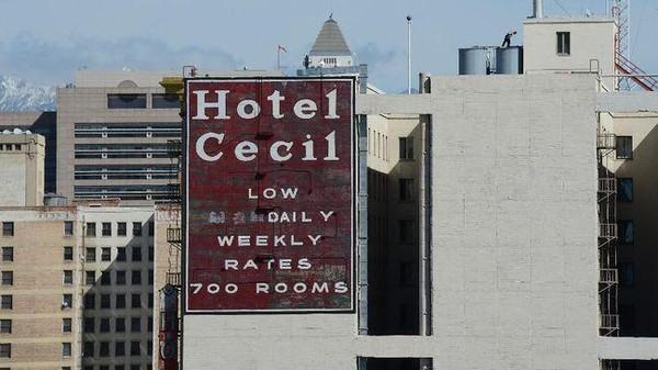 Sejak saat itu, sederet kasus menyeramkan terjadi seperti overdosis dan pembunuhan. Hotel tersebut bahkan menjadi tempat bagi pembunuh berantai hingga pengedar narkoba.