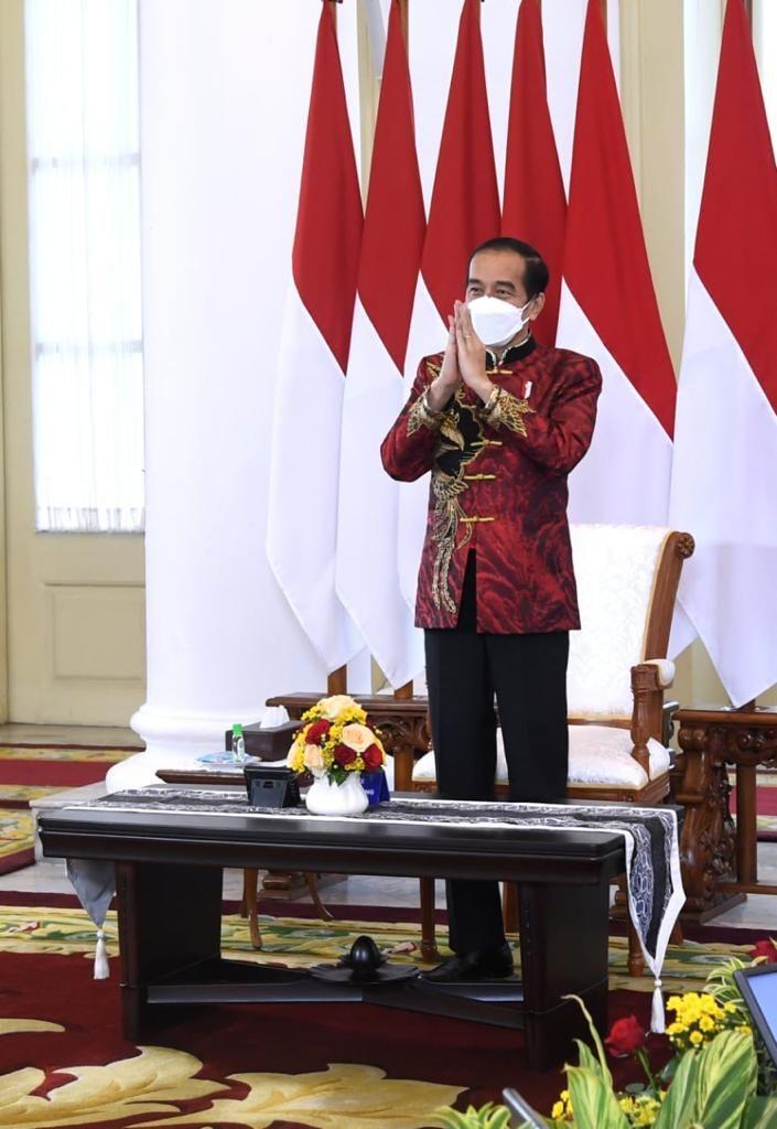 Kemeja Imlek Jokowi Karya Anne Avantie