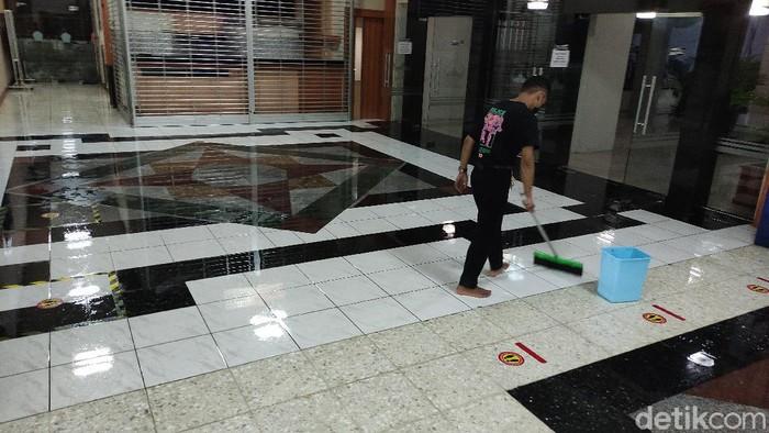 Kompleks Kantor Gubernur Jawa Tengah di Kota Semarang sempat kebanjiran gegara hujan lebat, Selasa (23/2/2021)