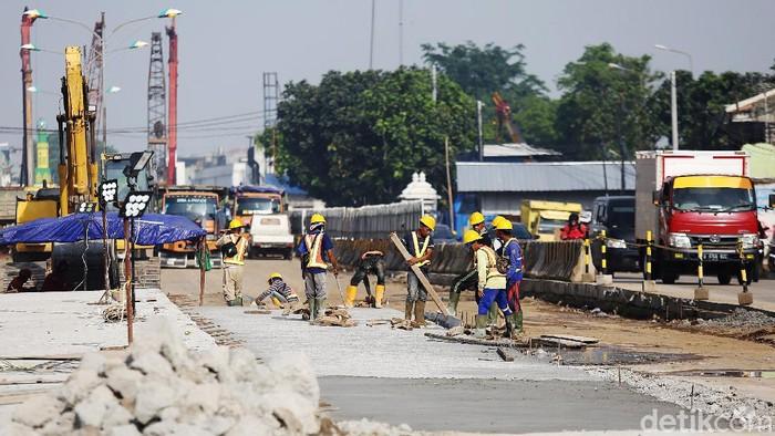 Kementerian PUPR terus mengebut pembangunan underpass Bulak Kapal, Bekasi, Jabar. Underpass itu untuk mengurangi kemacetan di kawasan tersebut.