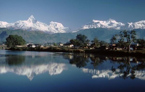 Puncak ini mencuri perhatian karena letak geografisnya yang jauh dari puncak Annapurna dan lebih tinggi.(Getty Images/iStockphoto)