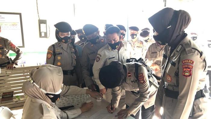 Tes urine dadakan diikuti 130 personel Dit Sabhara Polda Sumsel (dok Polda Sumsel)