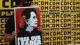 Warga Myanmar Ngeluh Sulit Ambil Uang Tunai