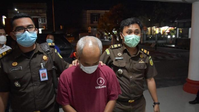 ASN Pemko Pematangsiantar terpidana kasus penadahan obat-obatan hasil curian dari RSUD ditangkap kejaksaan (dok Kejari Pematangsiantar)