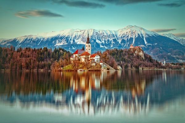 Tiap musim, pemandangan akan berubah namun tidak memudarkan keindahan view di area itu. (Getty Images/istock)