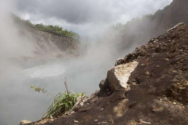 Dengan ukuran yang cukup luas dan penuh asap serta air yang mendidih, sudah cukup membuatnya terlihat menyeramkan!