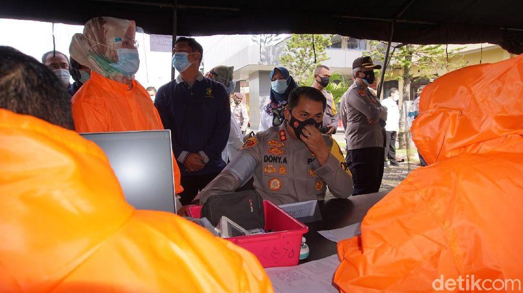 Disuntik Vaksin COVID-19, 901 Polisi Mojokerto Diimbau Patuh Prokes
