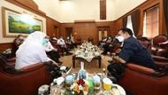 Gubernur Khofifah Prioritaskan Vaksinasi untuk Jurnalis