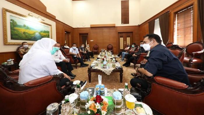 gubernur khofifah bertemu amsi jatim