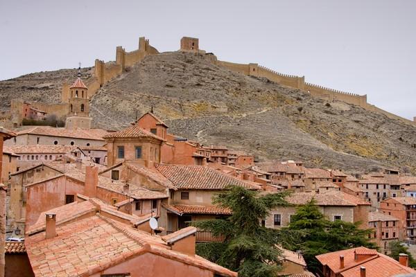 Kota kecil di puncak gunung inisudah ada sejak abad pertengahan. (Getty Images/iStockphoto)