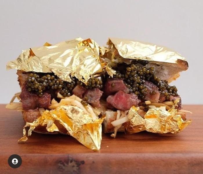 Mantan Chef Pribadi Kanye West Jual Sandwich Lapis Emas 24K Seharga Rp. 4,9 Juta