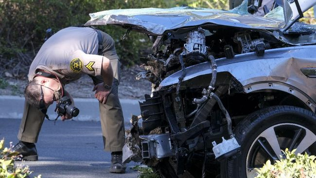Duh! Tiger Woods Kecelakaan Mobil Gegara Ngebut Sampai 140 Km/jam