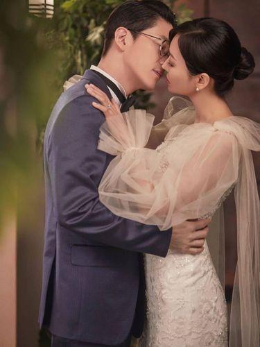 Uhm Ki Joon dan Kim So Yeon, Adu Gaya 2 Pasangan Pengantin Kontroversial di The Penthouse Season 2