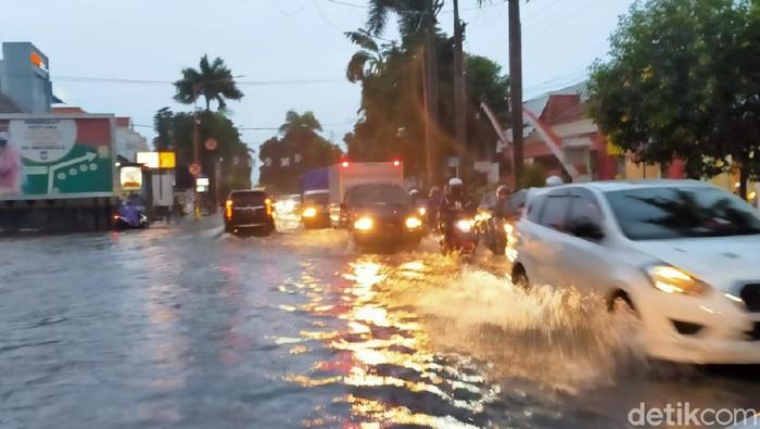 banjir di banyuwangi
