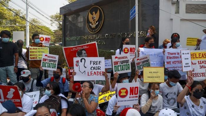 Kedubes Indonesia myanmar didemo