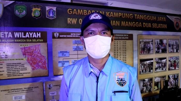 Ketua RW  Ketua RW 04 Kelurahan Mangga Dua Selatan, Sawah Besar, Topan. Dokumentasi screenshot video yang diberikan Kapolsek Sawah Besar AKP Maulana Mukarom.