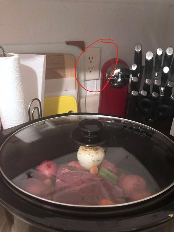 Ketika mau masak, tapi lupa nyolokin. Huuff!