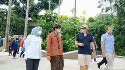 Sandiaga Targetkan 70% Pekerja Pariwisata di Bali Divaksin Corona