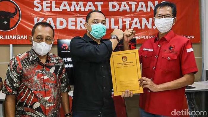PDI Perjuangan Kota Surabaya menyambut antusias pelantikan Eri Cahyadi dan Armudji sebagai calon wali kota dan calon wakil wali kota Surabaya, yang akan digelar di Gedung Negara Grahadi
