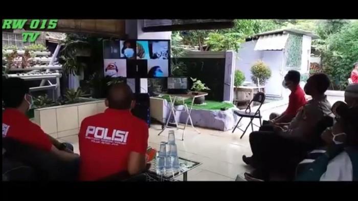 Pemantauan warga positif Corona via video conference