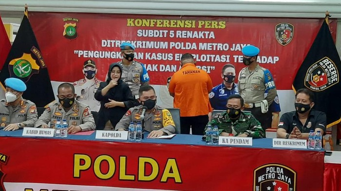 Polda Metro Jaya merilis penembakan di Cengkareng oleh oknum polisi, Kamis (25/2/2021).