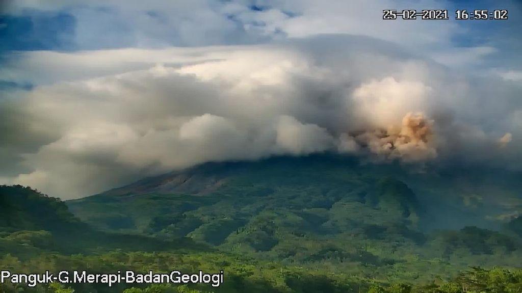 BPPTKG: Aktivitas Gempa Guguran di Gunung Merapi Meningkat