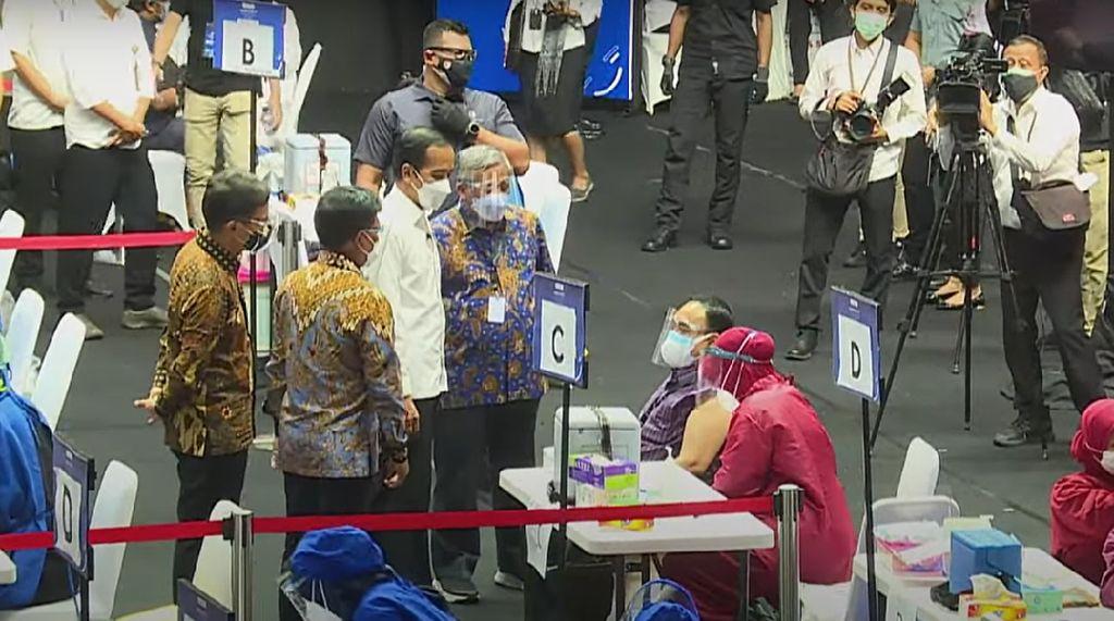 Presiden Jokowi Berharap Vaksinasi COVID-19 Awak Media Merata