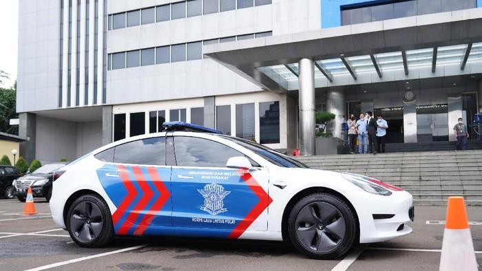 Tesla model 3 jadi armada patroli Korlantas Polri