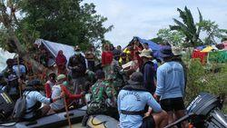 11 RT Dekat Tanggul Citarum yang Jebol Masih Banjir, TNI AL Evakuasi Warga