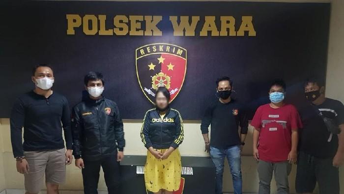 Wanita tersangka penipuan dan penggelapan ditangkap polisi (dok. Istimewa).