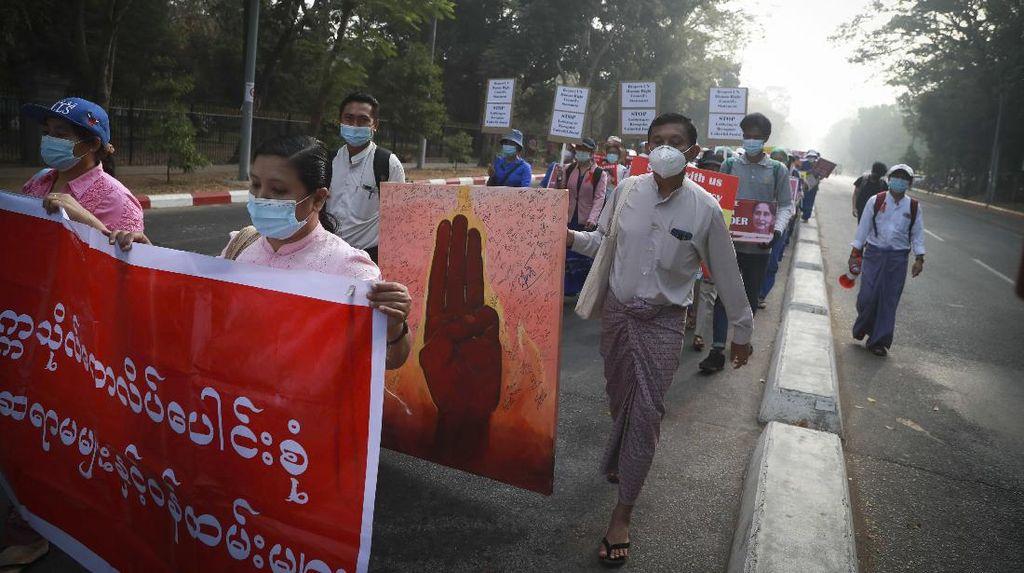 Aksi Menolak Kudeta Militer Myanmar Terus Berlangsung