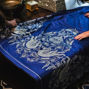 Koleksi Batik Raya, Kolaborasi Unik Disney dan Iwan Tirta Private Collection