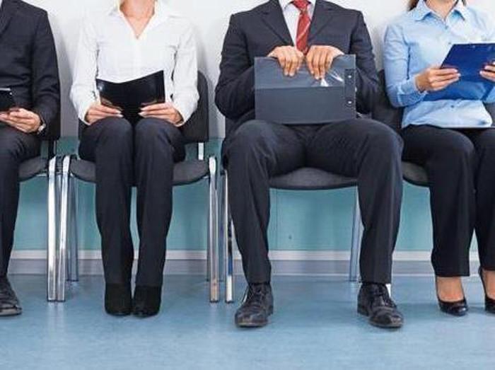 Biar Dibaca HRD, Orang Ini Kirim CV Pakai Kotak Isi Donat