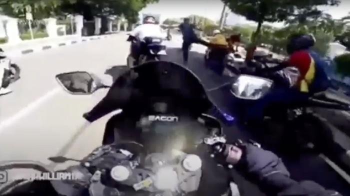 Bikers menerobos Ring 1 dan ditendang anggota Paspampres.
