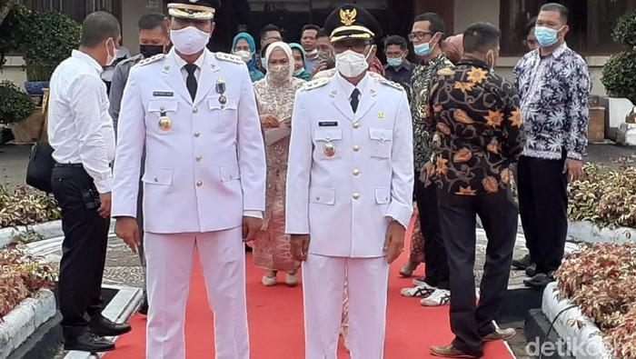 Bupati dan Wakil Bupati terpilih Batanghari Jambi (Ferdi Almunanda/detikcom)
