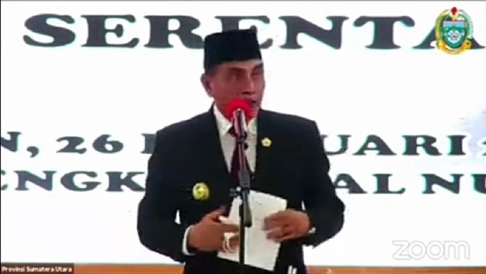 Edy Rahmayadi saat melantik 6 kepala daerah di Sumut