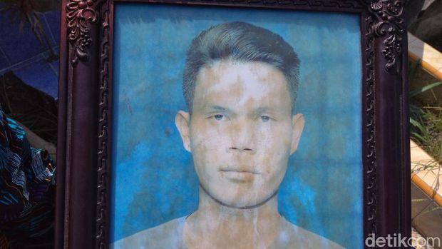 Fery Saut Simanjuntak korban penembakan oleh Bripka CS di Cengkareng, Jakarta Barat (Jakbar) telah dimakamkan di TPU Kristen Tanjung Mulia, Medan (Datuk Haris/detikcom)