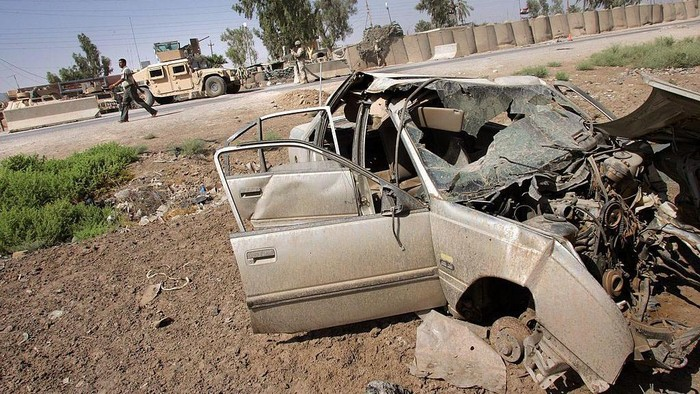 Puluhan bahkan ribuan mobil manjadi saksi keganasan perang di Irak, Suriah, Afganistan dan negara konflik lainnya. Berikut foto-fotonya.