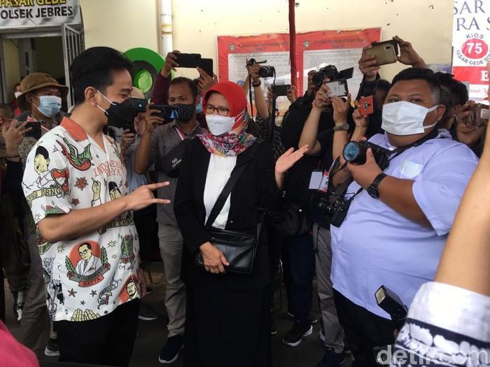 Gibran Rakabuming Raka di Pasar Gede Solo, Jumat (26/2/2021).