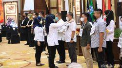 17 Kepala Daerah Jawa Timur Akan Dilantik, Khofifah Ingatkan Tak Bawa Massa