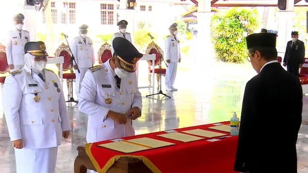 Gubernur Riau Lantik 3 Kepala Daerah, Ingatkan soal Karhutla-COVID