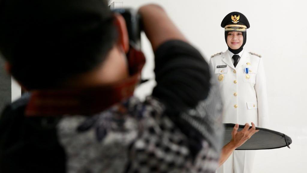 Bang Dzoel, Fotografer Disabiltas Jadi Pertama yang Potret Bupati Banyuwangi