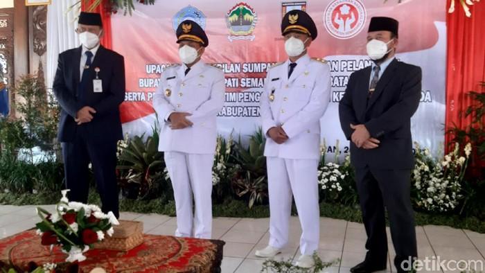 Ngesti Nugraha-M Besari usai dilantik sebagai bupati-wakil bupati Semarang, 26/2/2021