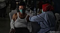 Pemerintah mengabarkan varian baru Corona B117 asal Inggris sudah terdeteksi. Kabar ini diumumkan setahun sejak infeksi COVID-19 dilaporkan masuk ke Indonesia.