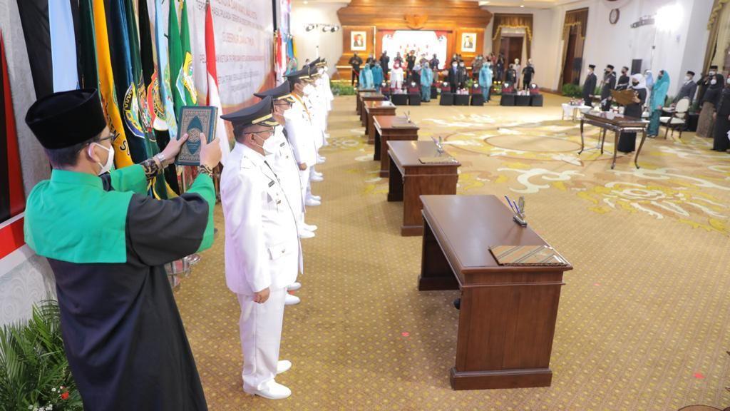 Dihadiri Seskab RI, 5 Bupati-Wali Kota di Jatim Dilantik Sesi Terakhir