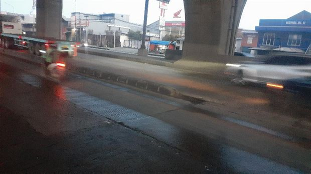 Pembatas Jalan di Cilincing, Jakarta Utara yang sering buat kecelakaan.