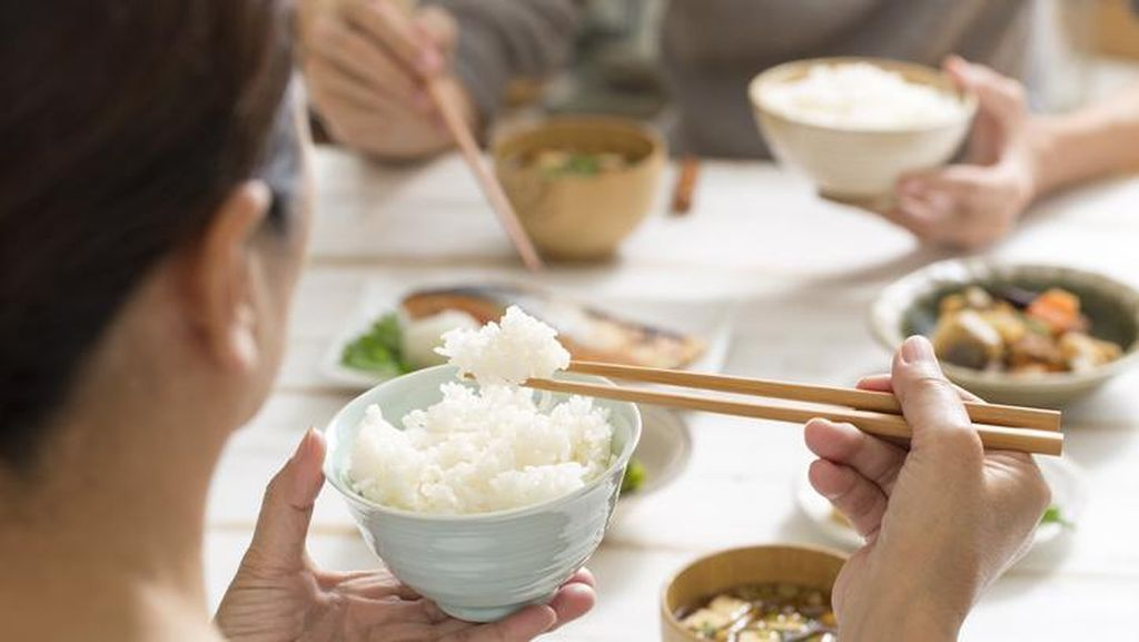 4 Pola Makan Orang Jepang yang Bikin Panjang Umur, Tiru Yuk!
