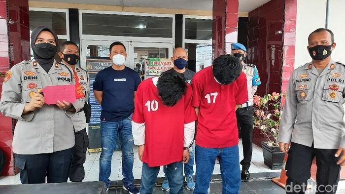 Polisi amankan 2 pelajar di Palembang yang keroyok teman gegara hutang  (Prima Syahbana/detikcom)